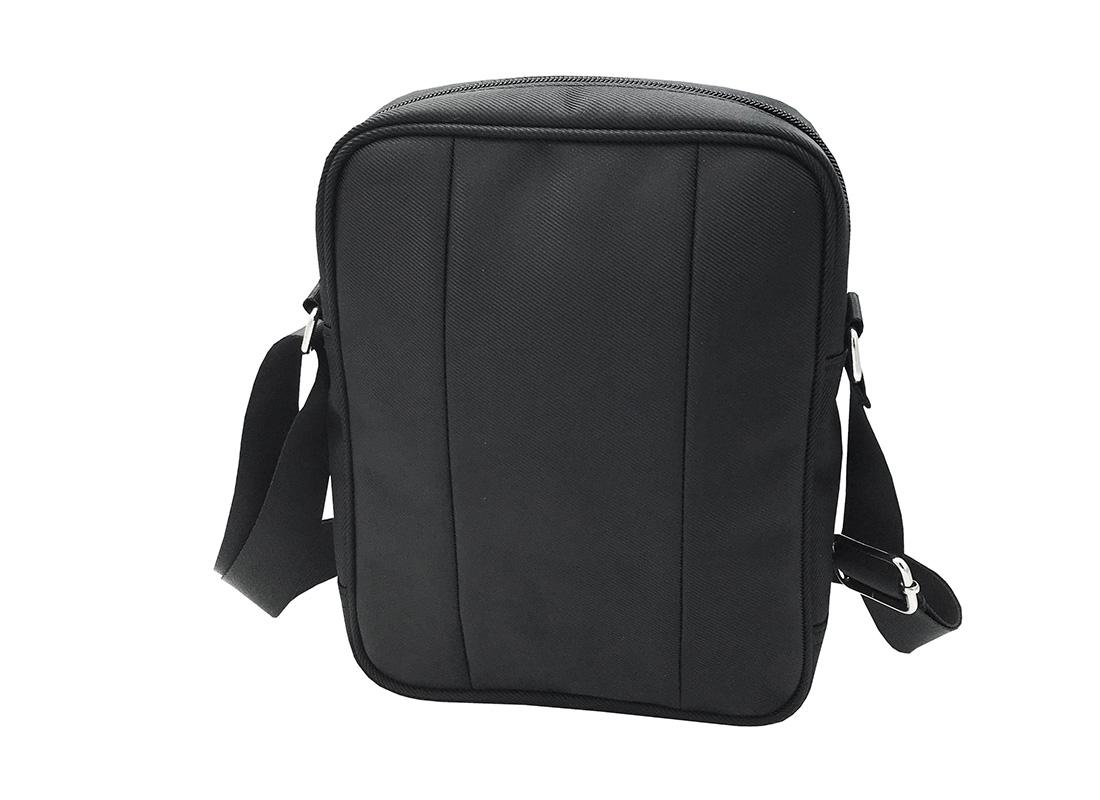 Men cross body bag in black R side