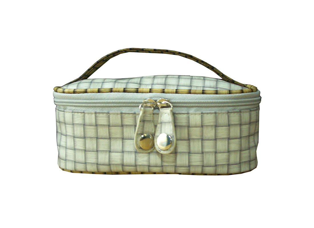 Check Pattern Cosmetic Bag