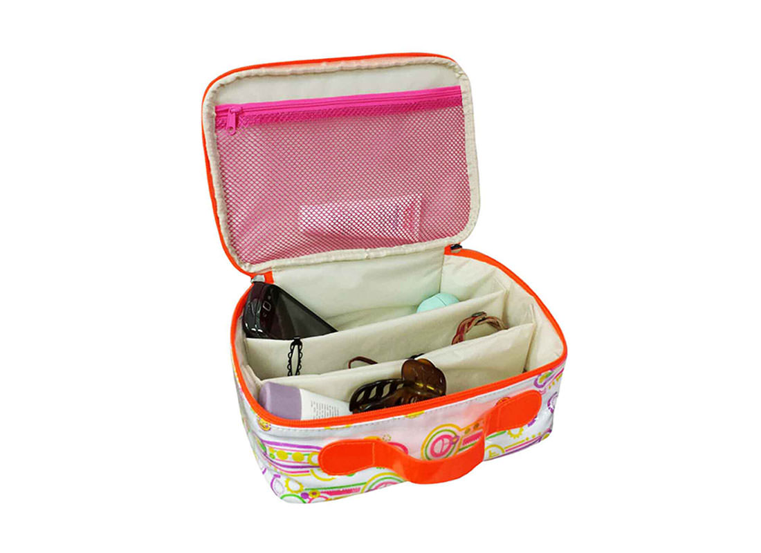 Organize Makeup Bag Open