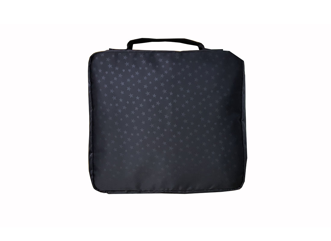 Medium travel kits bag with mesh front back