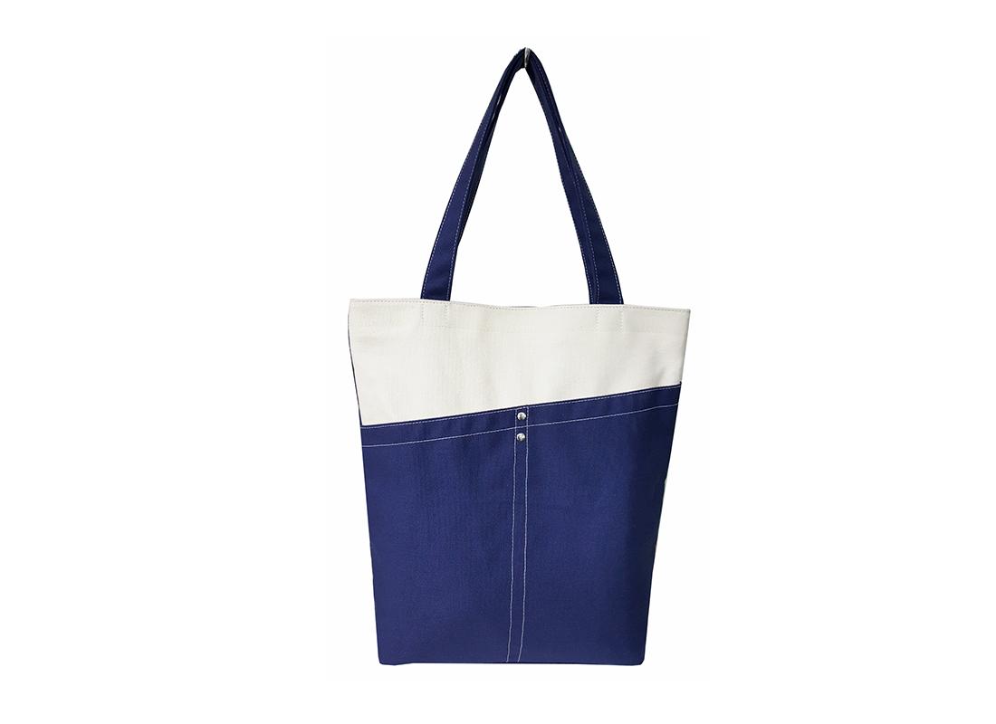 Tote Bag in dark blue & white