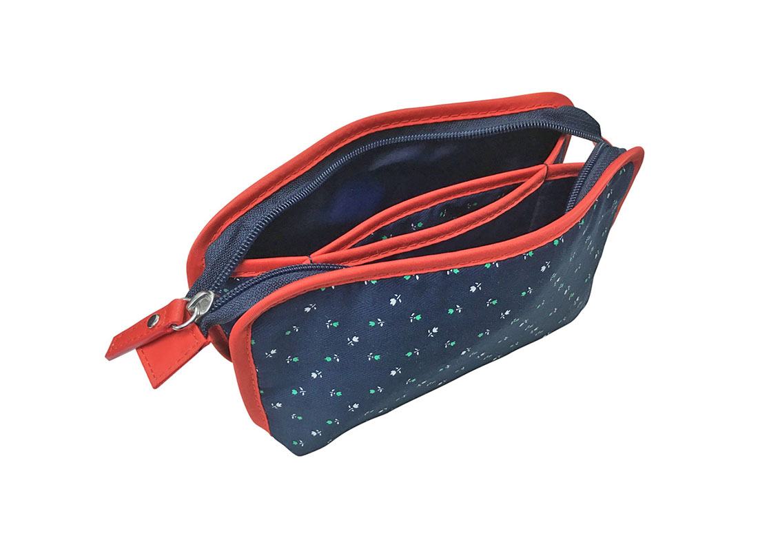 Floral cosmeitc bag in dark blue with red trimming L side