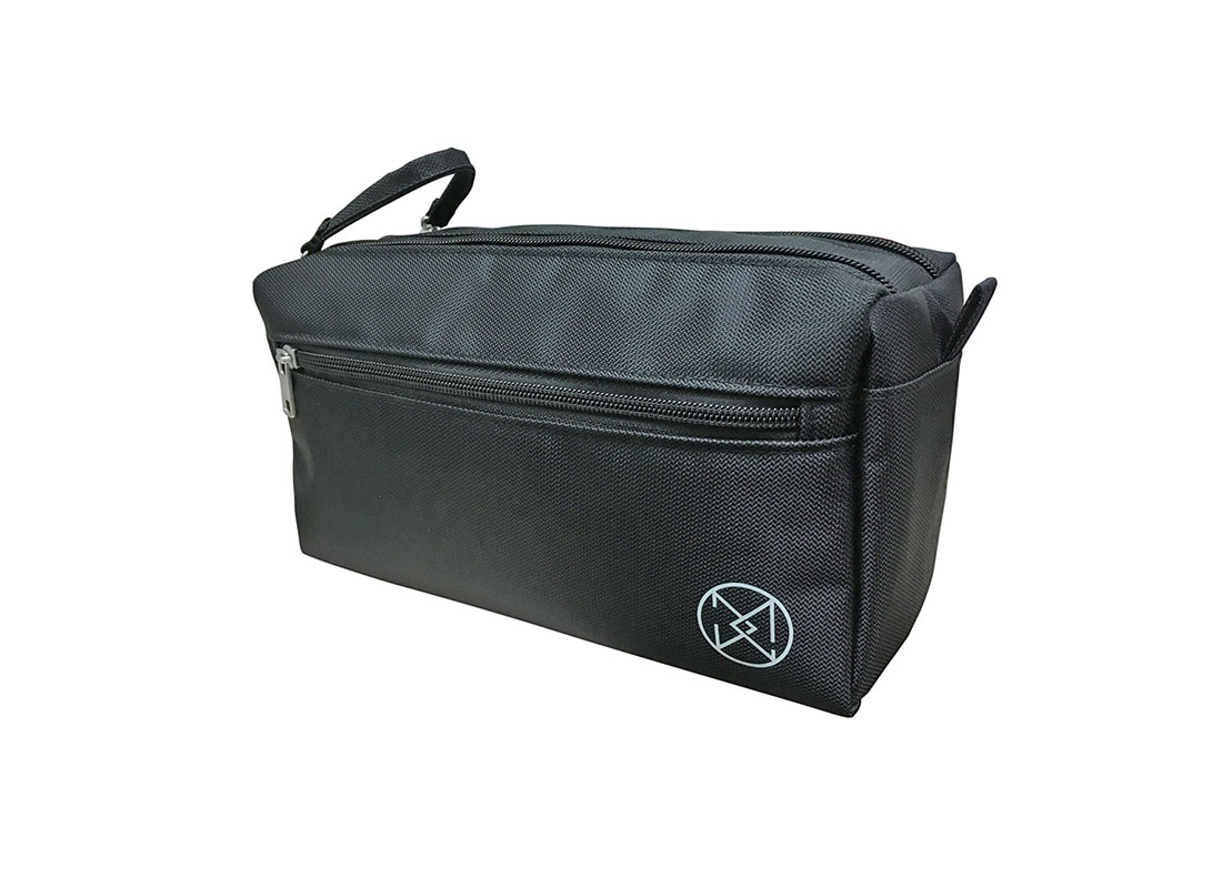 Large Men Toiletry in black R side