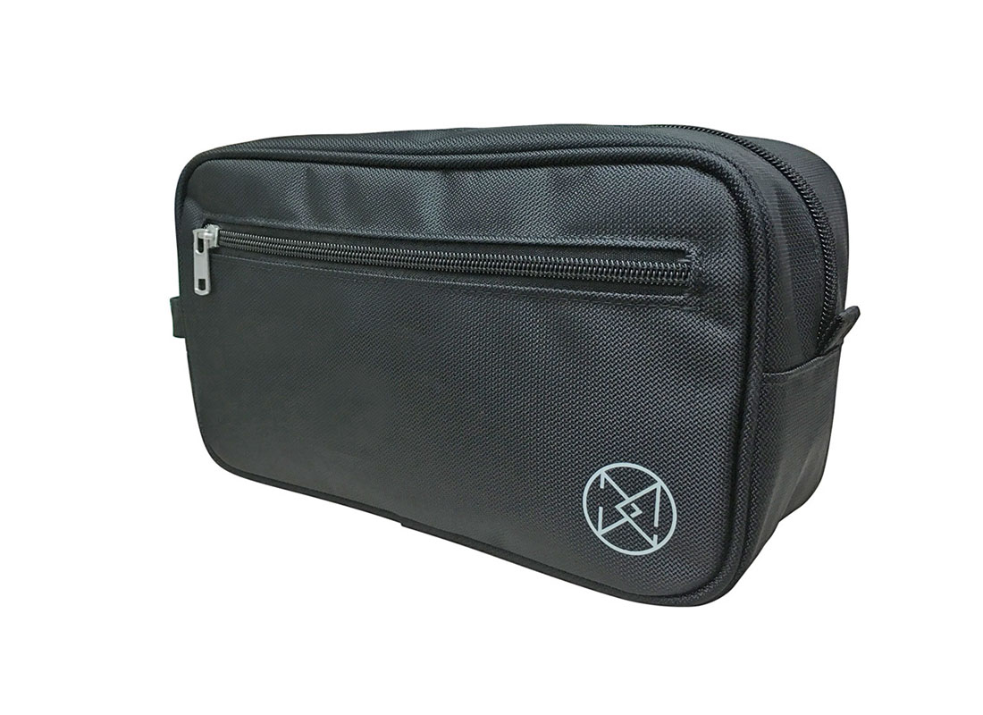 Men Toiletry in Black R side