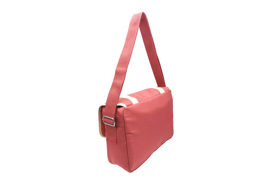 shoulder bag with flap & a Hawaii flower print side back