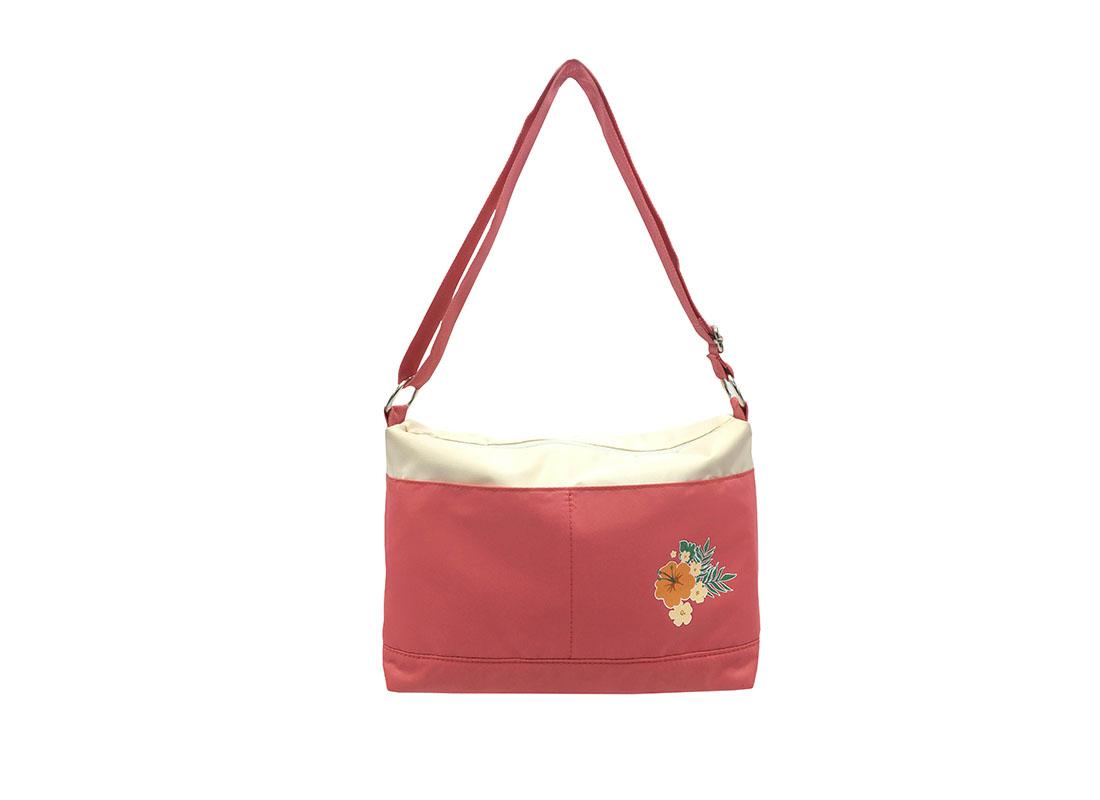 Shoulder Bag with a Hawaii flower print
