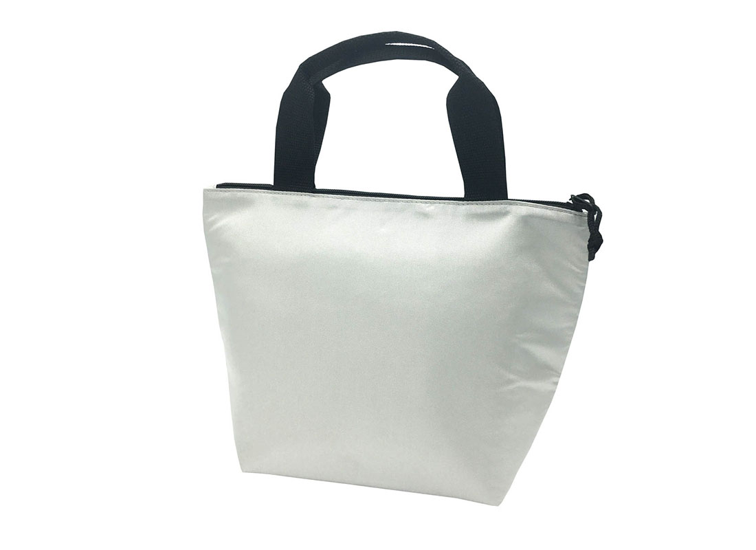 Tote bag style cooler bag in white R side