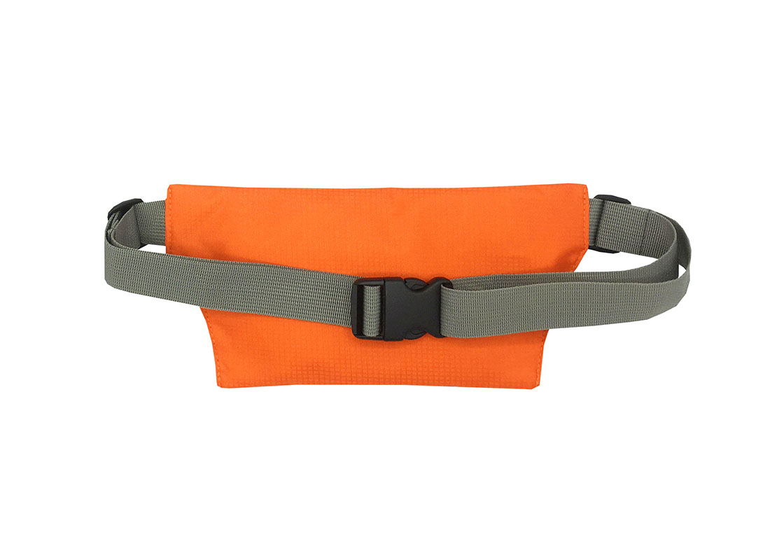 Sporty waist bag with front zipper pocket back