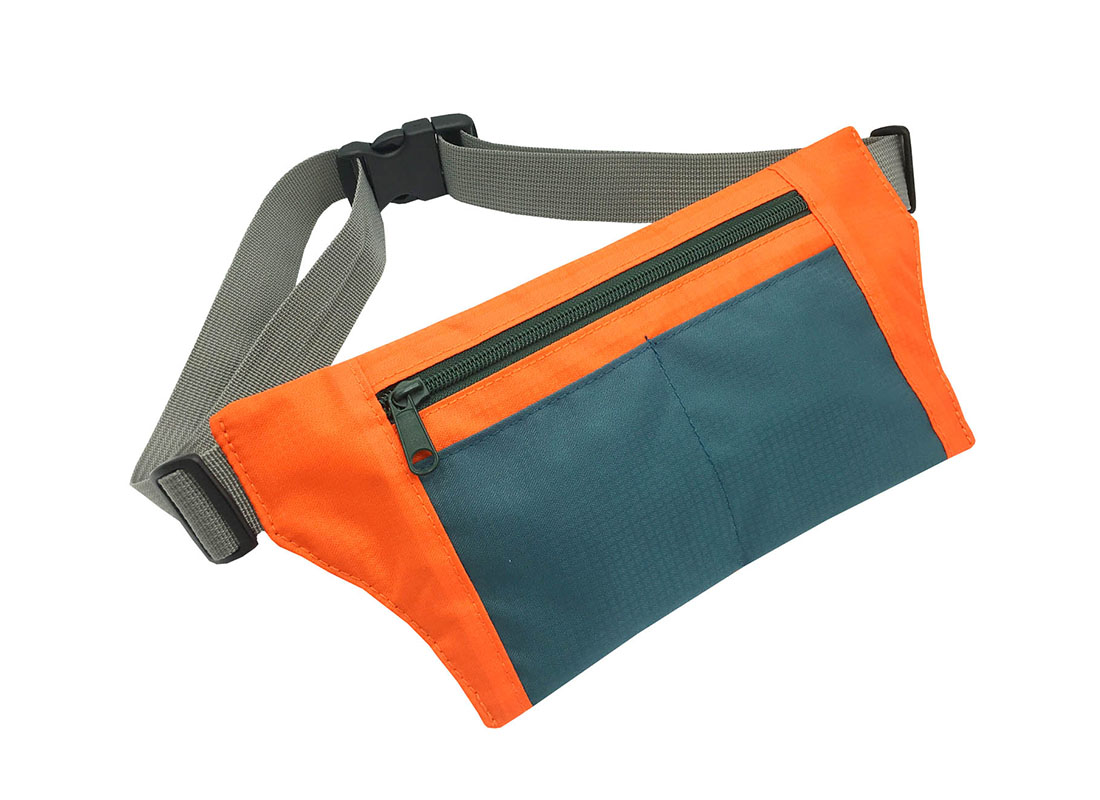 Sporty waist bag with front zipper pocket L side