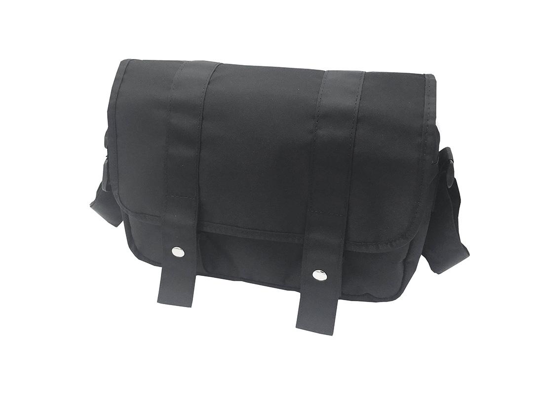 MIni Messenger Bag in Black R side